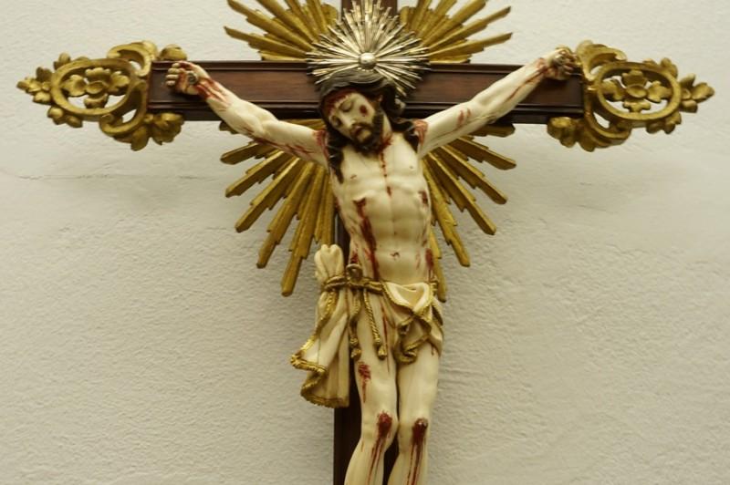 Cristo Marfim